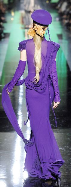 Jean Paul Gaultier at Couture Fall 2007 - Runway Photos Purple Love, Purple Lilac, All Things Purple, Shades Of Purple, Purple Dress, Purple Stuff, Periwinkle, Jean Paul Gaultier, Mauve