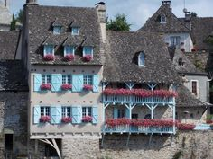 Argentat, France Limousin, South Of France, Cottages, Castles, Countries, French, Architecture, Places, Facades