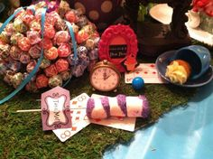 Mad Hatter/Alice in Wonderland Graduation/End of School Party Ideas | Photo 40 of 42 | Catch My Party