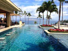 Infinity pool at The Four Seasons Wailea. Travel Guide: Maui, Hawaii - This Beautiful Day
