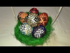 Handmade Easter Egg with Beads DIY Oua de Paste lucrat manual Beaded Bags, Egg Decorating, Beading Tutorials, Easter Eggs, Manual, Make It Yourself, Beads, Halloween, Youtube