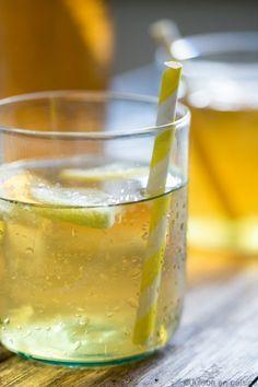 Hemmelighetene til en vellykket iste! Juice Drinks, Fun Drinks, Yummy Drinks, Veggie Recipes, Diet Recipes, Healthy Lemonade, Sweet Corner, Food Humor, Funny Food