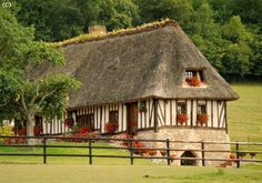 Maison Normande - BAGNOLES DE L ORNE #Orne #PureNormandie