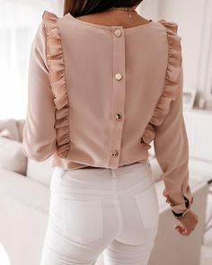 Spring Fashion Casual, Trend Fashion, Look Fashion, Fashion Outfits, Fashion Design, Bluse Outfit, Moda Casual, Designs For Dresses, Looks Chic