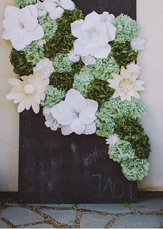 love this flower backdrop by Lace and Likes
