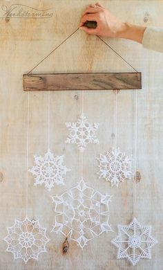 Elegant Christmas decoration - snowflakes mobile - holiday decor - crochet snowflakes and wood - hygge home decor - Elegant and delicate holiday decoration. Every single piece of this decoration is handmade with lov - Bohemian Christmas, Elegant Christmas Decor, Handmade Christmas, Christmas Holidays, Christmas Crafts, Christmas Ornaments, Christmas Ideas, Snowflake Party, Wood Snowflake