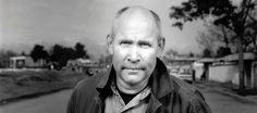 """Mais um documentário interessante. Desta vez, o fotojornalista de renome Steve McCurry compartilha algumas das suas reflexões sobre o retrato documental. Intitulado """"Close Up: Photographers at Work"""", odocumentário leva-nos por uma viagem através da visão de McCurry, como ele fotografa alguns dos retratos mais espetaculares na rua e depois nos leva numa visita guiada pelas [...]"""
