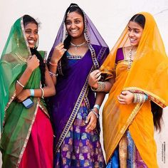 #streetstyle #fashion #traditional #culture #festive #girls #street #life #igers #ig_captures #ig_splash #hyderabad #telangana #style #india_ig #india #young #smile #happy #instagram #instagood #picoftheday #ethnic #cute #colorful #incredibleindia by chandrakuchibhotla