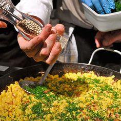 Spätzle all'uovo con speck e erba cipollina | Donna Moderna Spatzle, Gnocchi, Vegetables, Veggies, Vegetable Recipes