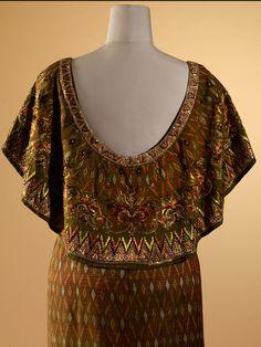 Valentino, Queen Sirikit, Thai Dress, Queen Dress, Lesage, French Fashion Designers, Gala Dresses, Thai Style, Royal Fashion