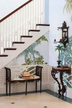 When a new book titled Palm Beach Chic is released, you know I am going to get excited… Written by long-time Palm Beach resident Jennifer Ash Ruddick, this book has me positively giddy! Tropical Style, Coastal Style, Palm Beach, Beach Chic Decor, British Colonial Style, Tropical Interior, Tropical Houses, Of Wallpaper, Tropical Wallpaper