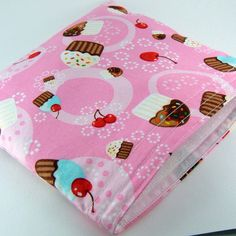Eco-friendly Reusable Sandwich Bag - Cupcakes Pink Party Favor Gift Kid Girl Children Ecological - Sac sandwich - Ready to ship. $7,50, via Etsy.