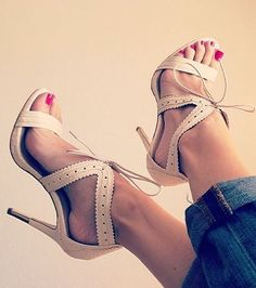 Love these heels!! Shop them with Studentrate and save! http://www.studentrate.com/all/get-all-student-deals/Heels-com-Coupons-and-Discounts--/0