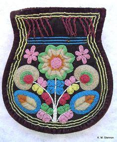 MICMAC (MI'KMAQ) / WABANAKI BEADED FLAT BAG C. 1860 #MicMac Native Beadwork, Native American Beadwork, Native American Art, American Indians, Beaded Embroidery, Embroidery Designs, Beading Patterns, Beading Ideas, Sewing Art