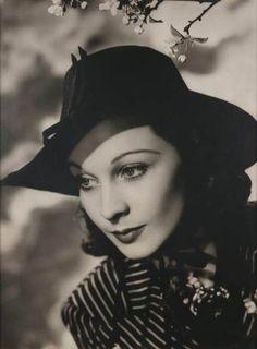 Vivien Leigh, 1938 by Angus McBean