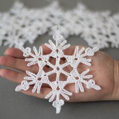 Items similar to Crochet Christmas ornaments, Christmas snowflakes handmade decoration, set of 6 ornaments, crochet Christmas snowflake, tree decoration on Etsy