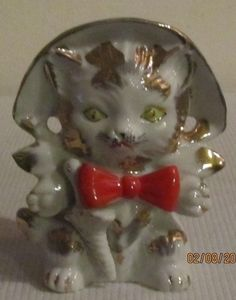 CUTE Vintage Cat / Kitten Head Vase With Hat And Red Bow
