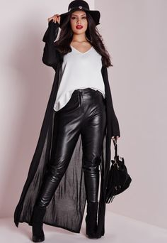 Missguided+ is the hottest new plus size line for babes of all sizes. Dedicated to directional, strong and confident designs for sizes 16-24, Missguided+ is the perfect platform to up your fashion game and work those curves in style. G...