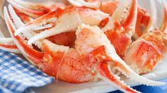 Une recette de pattes de crabe royal au beurre à l'ail, présentée sur Zeste et Zeste.tv