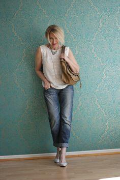 A fashion blog for women over 40 and mature women http://glamupyourlifestyle.blogspot.de/ Top: H+M Jeans: Fornarina Bag: Chloé Marcie Shoes: Pura Lopez