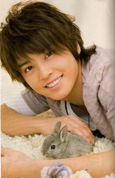 Yuya Tegoshi spotted in a pool in Toshimaen #Tegomass #NEWS