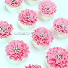 Ruffle flower topped chocolate covered oreos