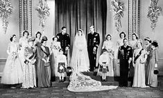 Princess Elizabeth, Prince Philip, Duke of Edinburgh with King George VI and Queen Elizabeth and members of the immediate and extended Royal Family at Buckingham Palace after their wedding. Get premium, high resolution news photos at Getty Images Princesa Elizabeth, Princesa Diana, Royal Wedding Gowns, Royal Weddings, Princess Wedding, Princess Alice, Wedding Dresses, Queen Elizabeth Wedding, Lady Elizabeth