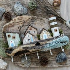 Pin by Pick a cake on Sami's BD cake ideas Driftwood Furniture, Driftwood Projects, Driftwood Art, Diy Arts And Crafts, Hobbies And Crafts, Cheap Christmas Crafts, Clay Wall Art, Cafe Art, Wooden Shapes