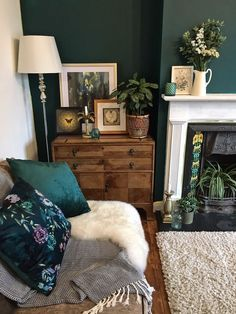 How To Use Dark Green in Your Living Room — Melanie Jade Design One. - How To Use Dark Green in Your Living Room — Melanie Jade Design One of my first pictur - Dark Green Living Room, Dark Green Walls, Dark Living Rooms, Colourful Living Room, New Living Room, Living Room Interior, Green Living Room Ideas, Cottage Living Room Decor, Living Room Wall Colours