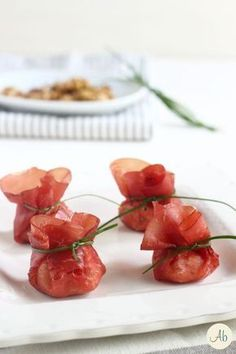 Fagottini di Bresaola Robiola e Noci Antipasto, Finger Food Appetizers, Finger Foods, Appetizer Recipes, Top Recipes, Wine Recipes, Cooking Recipes, Grilling Recipes, Summer Recipes