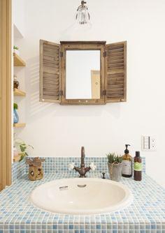 『かわいい家photo』では、かわいい家づくりの参考になる☆ナチュラル、フレンチ、カフェ風なおうちの実例写真を紹介しています。 Interior And Exterior, Interior Design, Diy Woodworking, Home Decor Inspiration, Furniture Decor, Ideal Home, Sweet Home, House Design, House Styles
