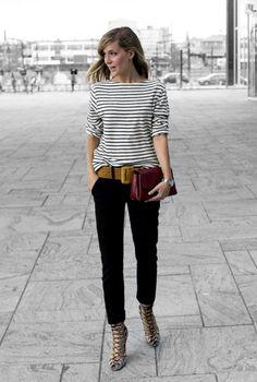 calça preta + blusa listrada + cinto