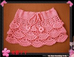 I'm seeing an A-line skirt with this type of scallop pattern worked as the bottom frill. Skirt Pattern Free, Crochet Skirt Pattern, Crochet Skirts, Crochet Patterns, Baby Girl Crochet, Crochet Baby Clothes, Crochet For Kids, Gilet Crochet, Knit Crochet