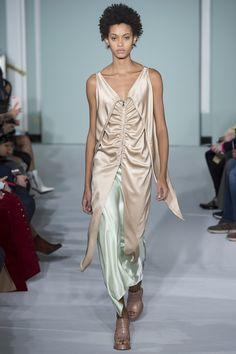 Sies Marjan Fall 2017 Ready-to-Wear Fashion Show - Samile Bermannelli