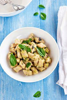 Gnocchi di quinoa con pesto di zucchine