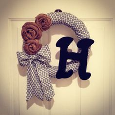 I just made this DIY wreath!!! I am now obsessed!