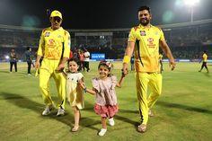 Adorable Friendship Goals of Cute Girls Gracia Raina And Ziva Dhoni India Cricket Team, World Cricket, Cricket Sport, Cricket News, Cute Baby Girl Pictures, Cute Girls, Ms Dhoni Wife, Ziva Dhoni, Dhoni Quotes