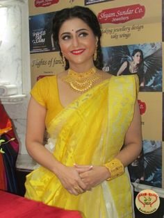Actress Swastika Mukherjee Graces Launch of Exclusive Jewelry for the Pujas at Shyam Sundar Co Jewellers  http://fashion.sholoanabangaliana.in/actress-swastika-mukherjee-graces-launch-of-exclusive-jewelry-for-the-pujas-at-shyam-sundar-co-jewellers/