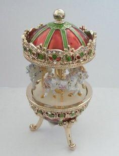 Merry Go Round Carousel MUSIC BOX    Carousel love ♥)