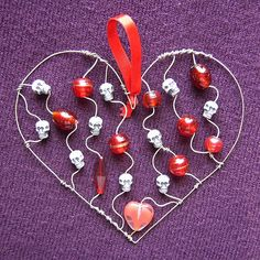 Red Skully Heart - a suncatcher in glass beads and steel wire   Flickr - Photo Sharing!