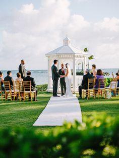 wedding ceremony at the kahala hotel + resort. www.chrissylambert.com @kahalaresort
