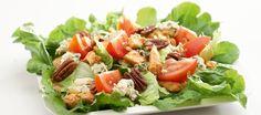 Lämmin broileri-sinihomejuustosalaatti Cobb Salad, Salad Recipes, Nom Nom, Salads, Healthy, Food, Drinks, Drinking, Beverages