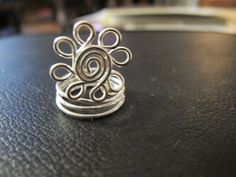 Naomi's Designs: Handmade Wire Jewelry: Silver wire wrapped spiral daisy ring