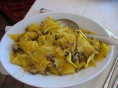 Una ricetta ligure per una salsa di noci adaat sia alla pasta che a tortelloni o pansotti
