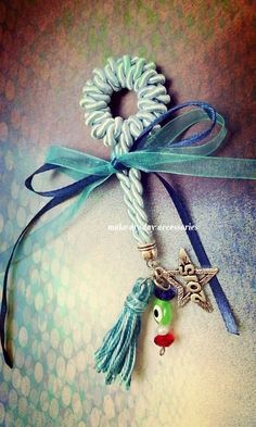 Lucky Charm, Dream Catcher, Thinking Of You, Charms, Facebook, How To Make, Blue, Accessories, Thinking About You