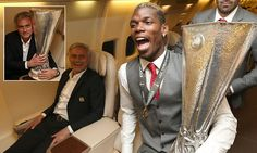 Manchester United player Paul Pogba and manager José Mourinho celebrate with the Europa League trophy on the plane home after defeating Ajax in the final. Official Manchester United Website, Manchester United Players, David Moyes, Premier League Teams, Football Troll, Man Utd News, Paul Pogba, Europa League, Fa Cup
