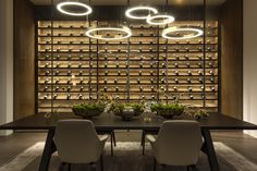 HENGE - Calvin Klein's house / L. A temperature-controlled wine room off the dining room. French Interior, Interior Design, Wine Wall, Wine Cabinets, Los Angeles Homes, Celebrity Houses, Dining Area, Dining Room, Dining Table