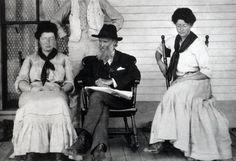 Wanda Muir (left) with John Muir and Helen Muir Adama, Arizona, circa 1907. The eldest of John Muir's two daughters. Married Thomas Hanna in 1906. Had six sons and one daughter.  Wanda Muir Hanna (March 25, 1881 – July 29, 1942) and Helen Muir Funk (January 23, 1886 – June 7, 1964)