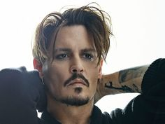 Johnny Depp Talks Starring in Dior's New Campaign & Why He Loved Playing Captain Jack Sparrow Johnny Depp Wallpaper, Celebrity Dads, Celebrity Crush, Junger Johnny Depp, Young Johnny Depp, Johnny Depp Haircut, Johnny Depp Images, Johny Depp, Captain Jack Sparrow