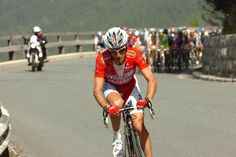 The helmet, the climbing fluidity, the iconic red of acqua sapone. I loved loved loved watching Garzelli attack...